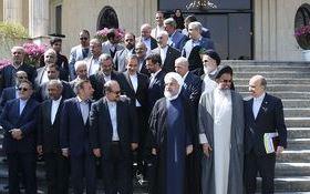 حاشیههای آخرین جلسه هیات دولت در سال ۹۶