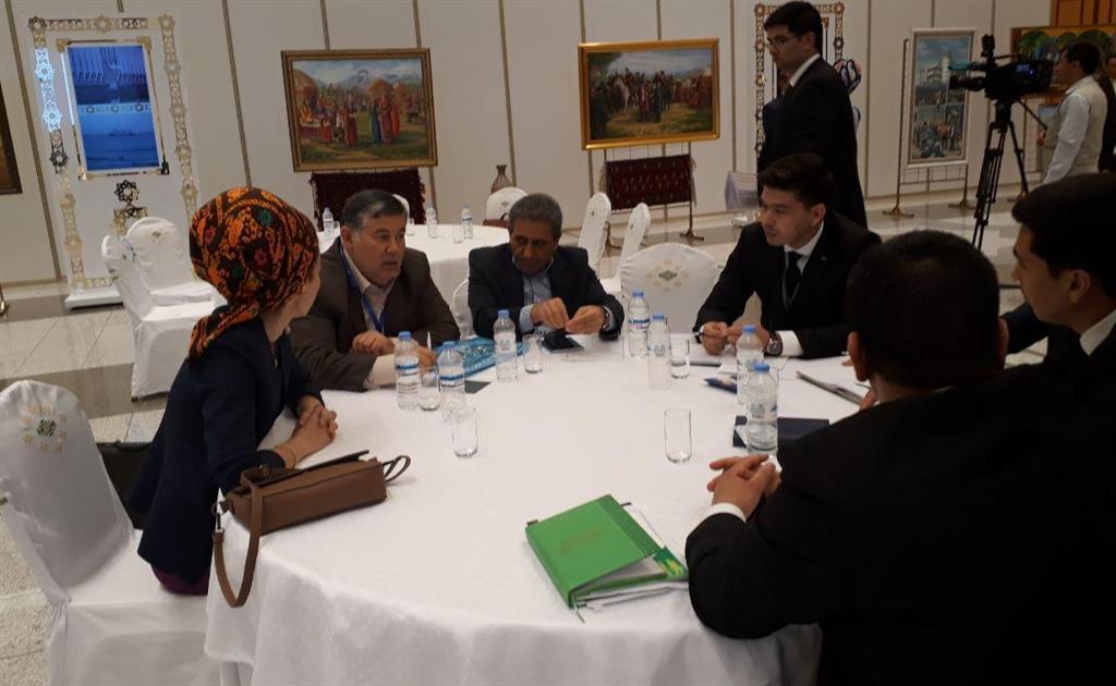 افزایش رایزنی ها و همکاری های اقتصادی انجمن سرمایه گذاران منطقه آزاد انزلی با ترکمنستان