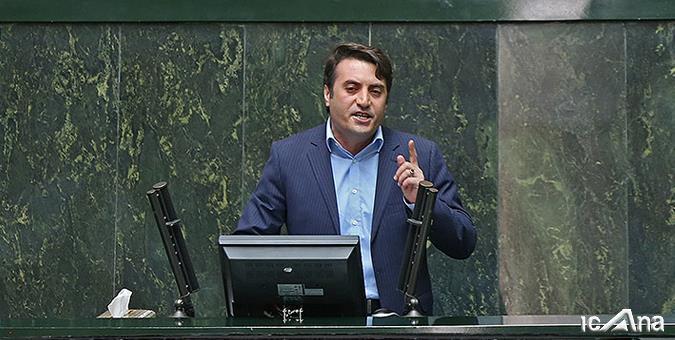 نماینده مردم اردبیل در خانه ملت بیان داشت: مناطق آزاد کارنامه بسیار موفقی در مقایسه با اقتصاد ملی داشته اند