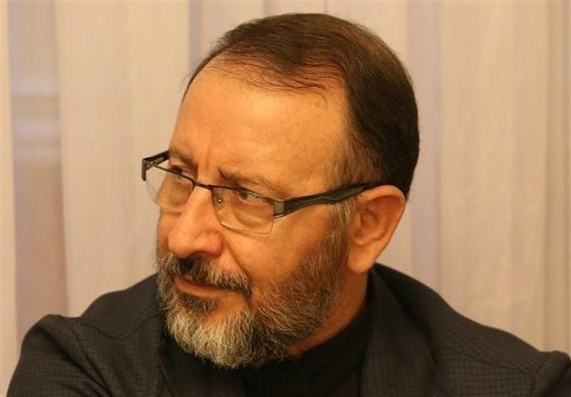 استاندار دولت دهم: احمدینژاد گرفتار توهم شده