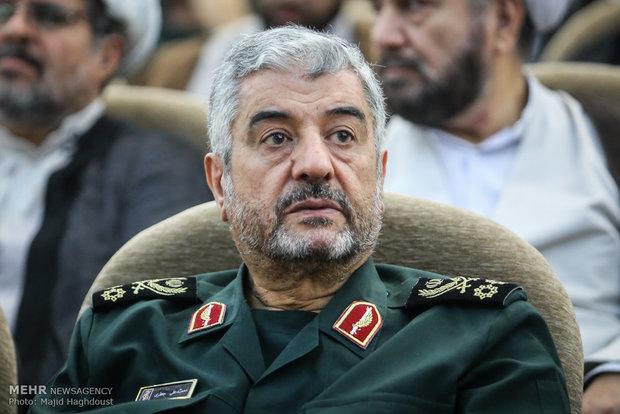 شاهد موفقیتهای انقلاب اسلامی هستیم