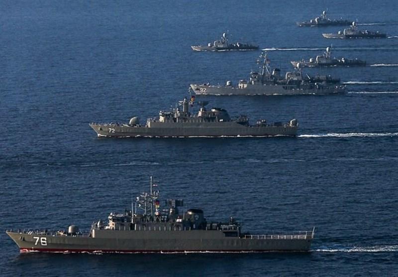 شناورهای ارتش در خلیجفارس و دریای عمان رژه رفتند