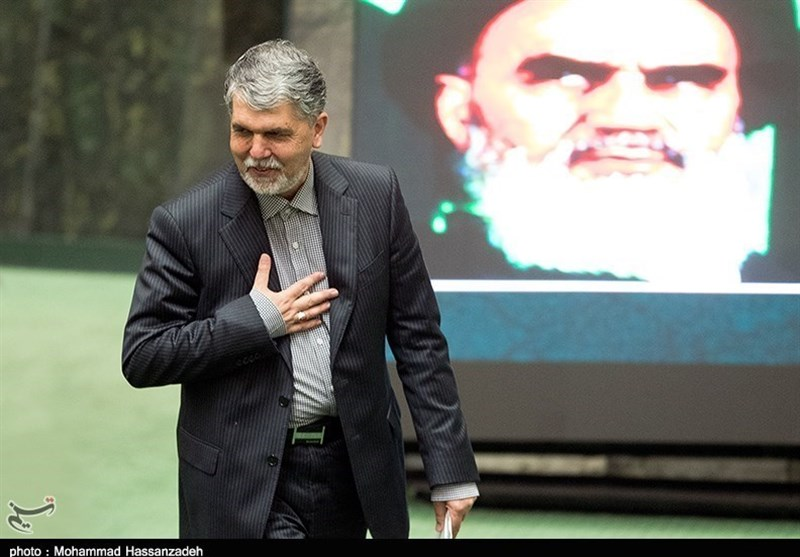 نماینده مشهد سوال خود از وزیر ارشاد را پس گرفت