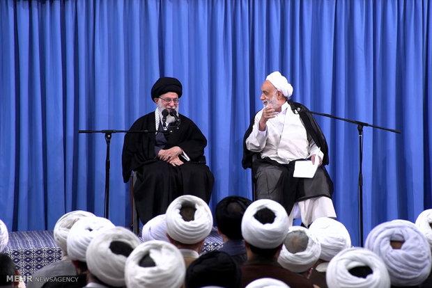 اهمیت درس قرآن و تدبر در قرآن جزو حرفهای لازم است