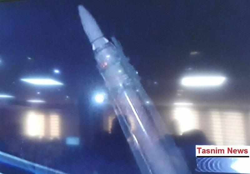 رونمایی نسل جدید موشکهای قیام در عملیات سپاه +تصاویر