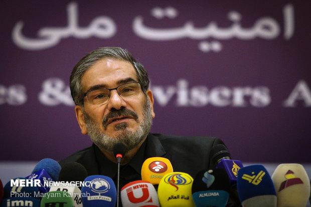 شمخانی: دغدغه رهبری حفظ روحیه جهادی است