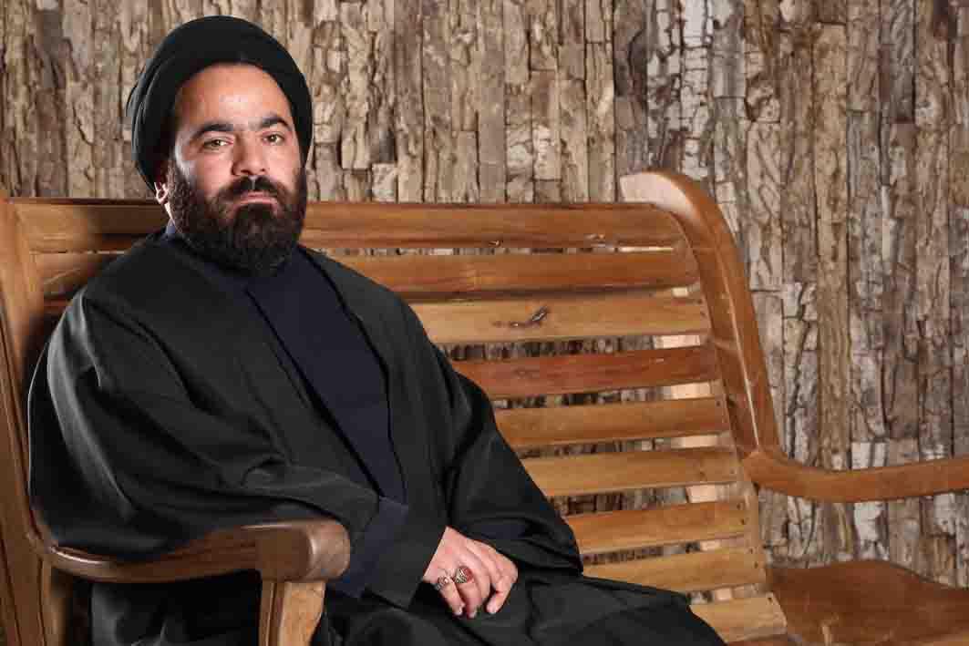 صدور حکم خلع لباس و حبس تعلیقی برای حسن آقامیری+عکس