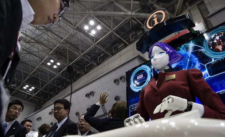 رباتهای سخنگو در متروی ژاپن نصب شدند +تصاویر