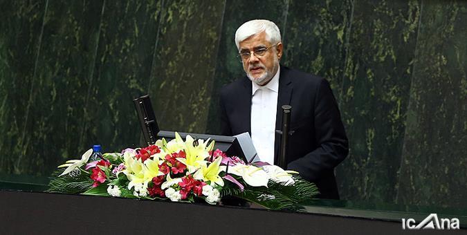 انتقاد تند عارف از برخی وزرای دولت روحانی