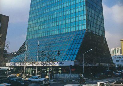 انتقال بدهی زنوزی از بانک تجارت به بانک گردشگری