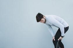 علت سفتی زانو چیست و روش های درمان آن