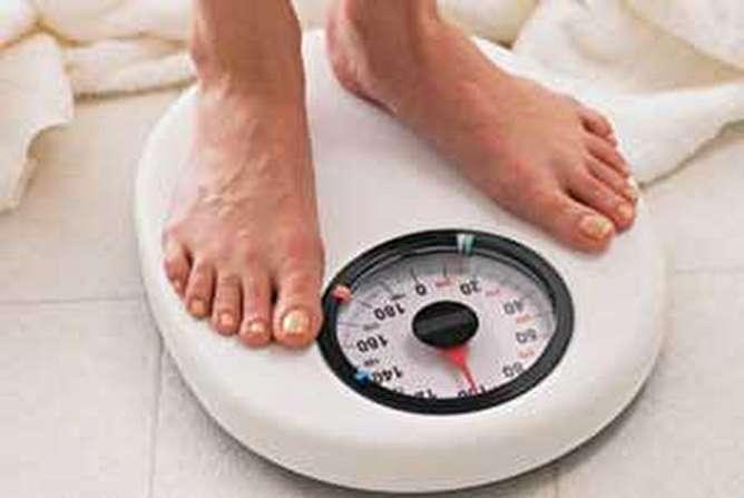 آیا صبحانه خوردن به کاهش وزن کمک میکند؟