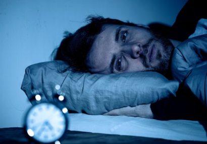 علل بیدار شدن مکرر در نیمه شب + روش درمان